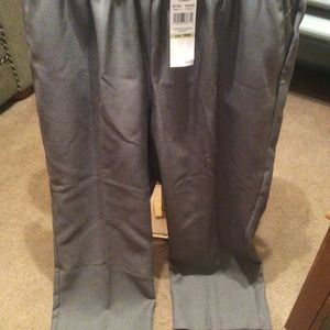 NWT Alfred Dunner 18W Short dress pants
